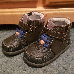 See Kai Run Brown Boots size 6 Toddler BRAND NEW
